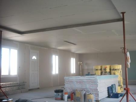 Comment faire un faux plafond dans des combles marseille for Plafond combles placo