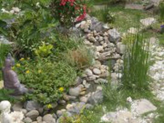commen r aliser soi m me une petite cascade de jardin pierre et bambou r solu forum. Black Bedroom Furniture Sets. Home Design Ideas