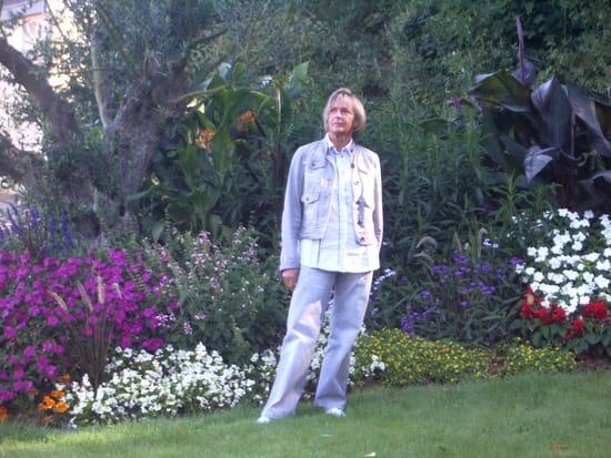 Nettoyer Une Table De Jardin En Plastique Blanc : Salon Jardin Blanc Plastique  Chaise longue de jardin plastique blanc