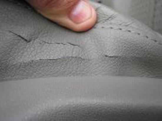 comment reparer un siege auto en cuir. Black Bedroom Furniture Sets. Home Design Ideas