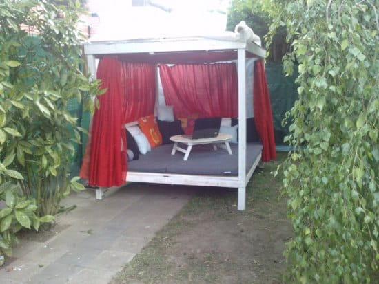 O trouver des plans et des conseils pour construire une for Construire une cabane de jardin avec des palettes
