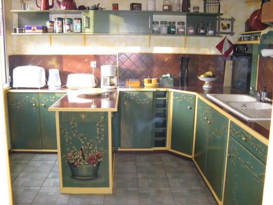 comment faire pour changer le look d 39 une cuisine en pin ch ne fonc forum bricolage outillage. Black Bedroom Furniture Sets. Home Design Ideas