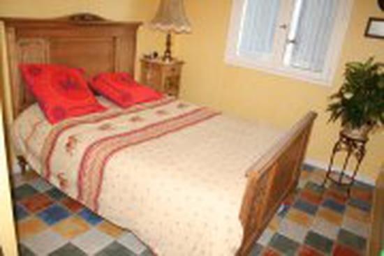 comment enlever la cire avant peinture d 39 une coiffeuse orn e. Black Bedroom Furniture Sets. Home Design Ideas