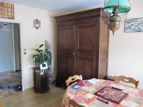 comment eclaircir un meuble travail du bois. Black Bedroom Furniture Sets. Home Design Ideas