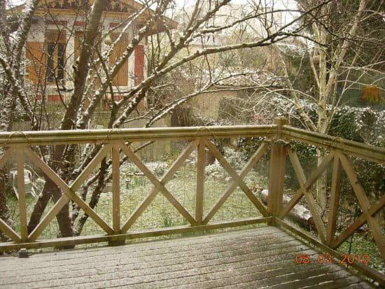 Entretenir les lames en pin du nord en terrasse extérieure ?