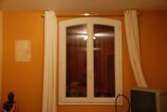 bonjour je voudrais changer les fen tres de ma maison pour des fen tres en pvc. Black Bedroom Furniture Sets. Home Design Ideas