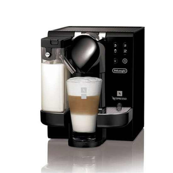 machine a cafe nespresso lattissima. Black Bedroom Furniture Sets. Home Design Ideas