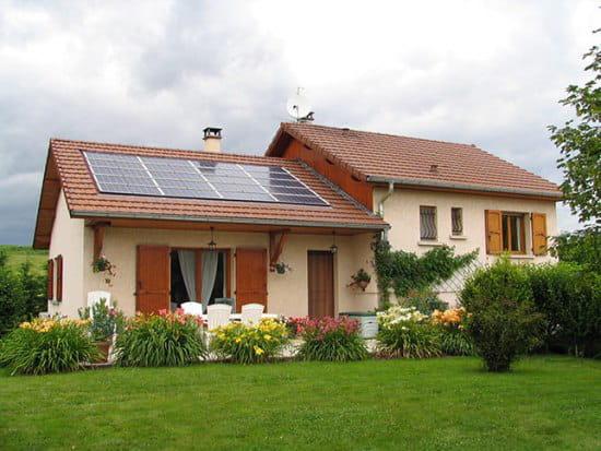 Combien coute un toit de maison la paille des plusieurs for Ajouter un tage sa maison prix