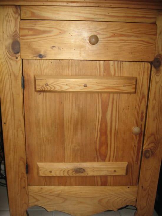 Avec quel produit fait on du teint miel huil r solu for Peut on vernir un meuble cire