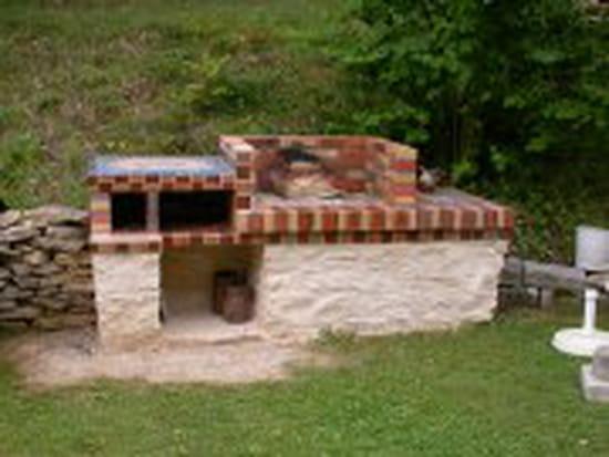barbecue en pierre mr bricolage trouvez le meilleur prix sur voir avant d 39 acheter. Black Bedroom Furniture Sets. Home Design Ideas