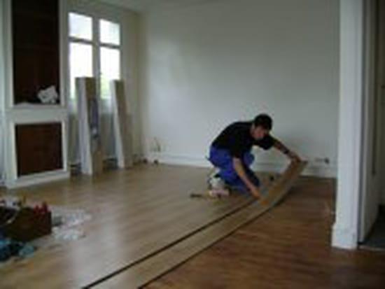 faut il poncer les plinthes en bois avant de les repeindre. Black Bedroom Furniture Sets. Home Design Ideas