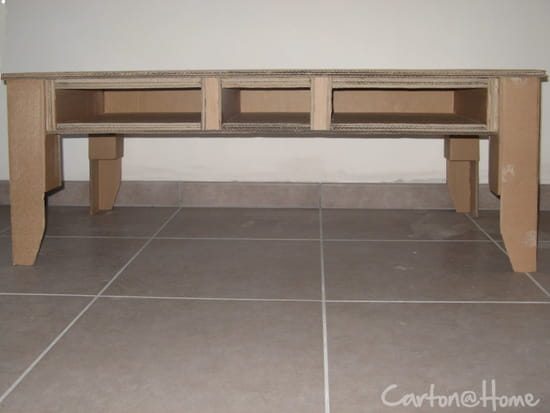 Tuto fabriquer une table basse en palettes pictures to pin - Customiser table basse en bois ...