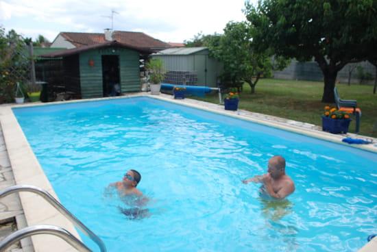 l 39 eau de ma piscine est devenue verte r solu page 4. Black Bedroom Furniture Sets. Home Design Ideas