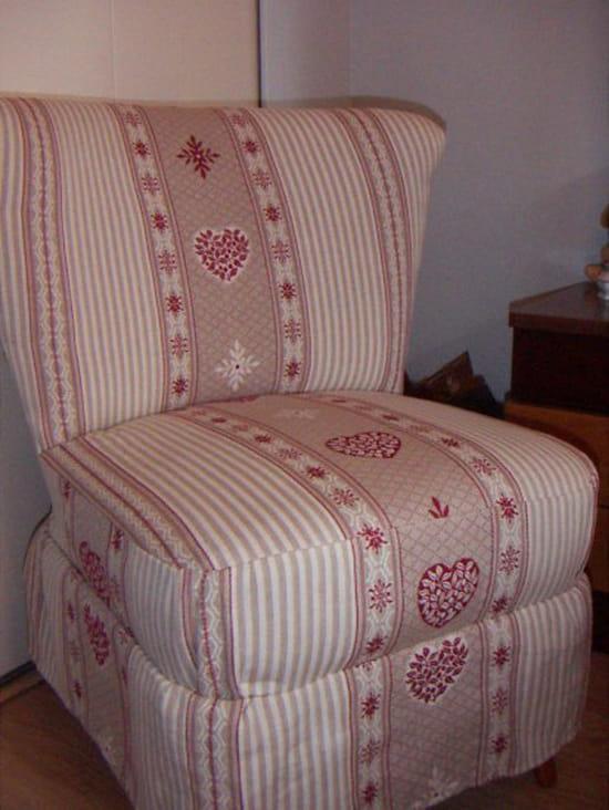 comment recouvrir un fauteuil ou le tissu est passe de. Black Bedroom Furniture Sets. Home Design Ideas