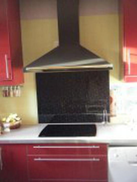 Quel plan de travail avec une cuisine rouge for Planche de travail cuisine