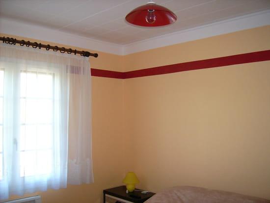Peut on peindre un plafond en dalles de polystyr ne for Conseil pour peindre un plafond