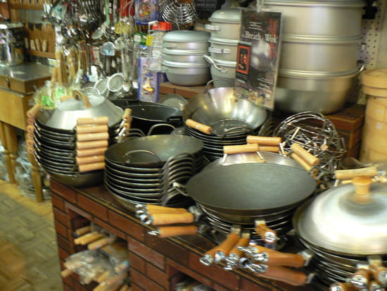 wok en fonte maill e ou c ramique quel est le mieux r solu. Black Bedroom Furniture Sets. Home Design Ideas